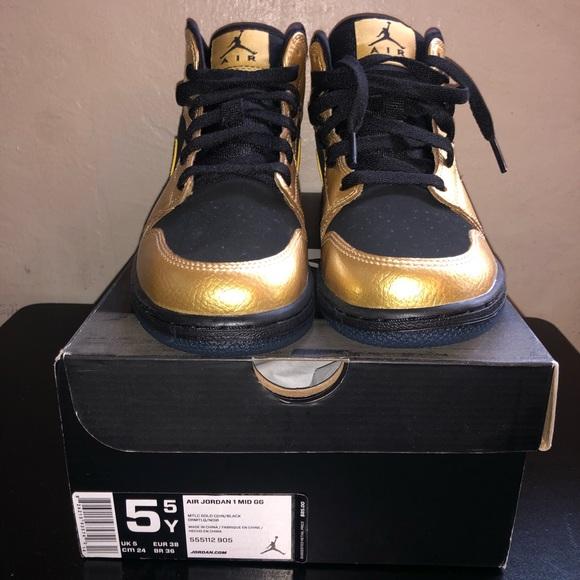 8410ce0c024f Deadstock Nike Air Jordan Retro 1 Gold Coin Black